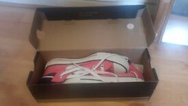Women size 3 Conseverse Pink and White