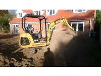 Paulys mini digger hire £175 A DAY INC DELIVERY FUEL & DRIVER Concrete Breaking option FULLY INSURED