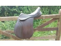 Kent and Masters 16.5 Saddle. pony long leg