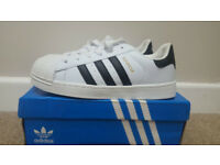 Adidas Ladies Superstar Size 5
