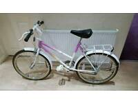 Great 24inch girls universal mountain bike in good condition all fully working