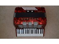 Accordian - Delicia Arnaldo XIII 72 base accordian, with shoulder straps and hard case
