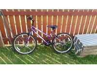 MEDIUM GIRLS BIKE FOR SALE SUIT 7 - 11 YEAR OLD
