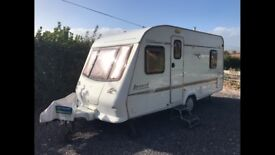 Elddis Avante 5 birth caravan 2001 with two lounges