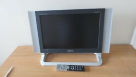 """Samsung SyncMaster 730MW Widescreen LCD T.V. Monitor 17"""" - Silver + Freeview Box"""