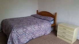 Large Double Room in Ashford