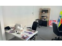 Large creative desk space in fashion and art studio (all bills inc.)