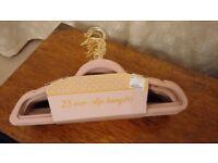 25 Blush Pink Velvet Hangers - ideal for bridesmaid dresses