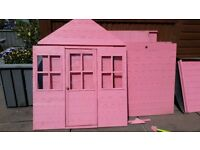Pink playhouse in very good condition