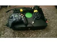 Original xbox with (1000 + built-in games) xbmc