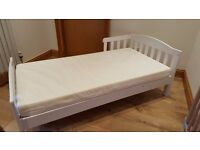 Toddler bed with mattress - white wood 140 x 70 cm