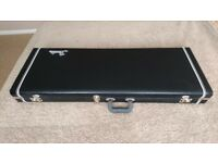 FENDER 'PRO' SERIES BLACK GUITAR CASE