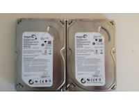 Selling two 3.5'' Seagate HDD with 500GB of storage 10 pounds each