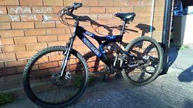 For sale bike for men's 26 size wheels disc brakes