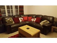 LEATHER CORNER SOFA AND MATCHING 2 SEATER SOFA