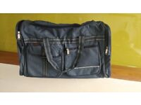 Light weight hand luggage holdall bag