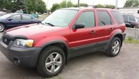 2007 Ford Escape XLT  v6 4x4 awd mags limited