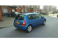 Clio 1.2 petrol starts and drives with mot £350