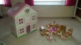 Hello kitty dolls house with furniture all in very good condition £15