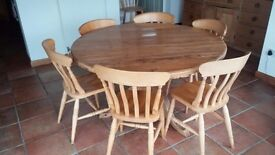 Old Pine Round Kitchen Table with chairs