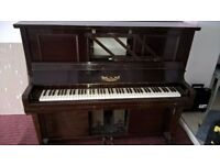 Royal vintage pianola