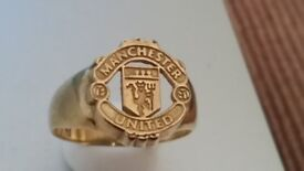 MANCHESTER UNITED FC 9ct Gold ring can post