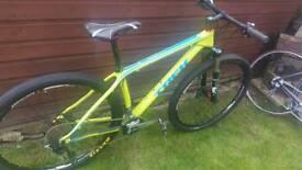 """Trek Superfly 9.7 carbon fre 17.5"""" medium 29er mountain bike"""