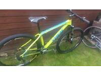"Trek Superfly 9.7 carbon fre 17.5"" medium 29er mountain bike"