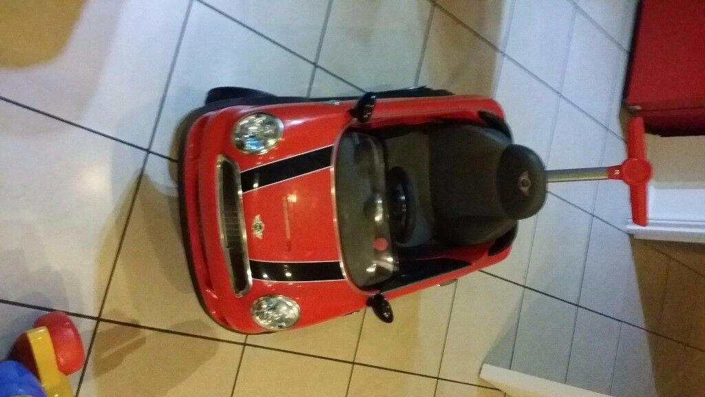 Red push along mini couper bearly used in good working condition collection only