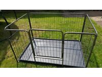 Metal dog cage with base