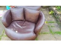 Large Cosy Swivvel Corner Chair