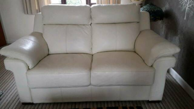 3 Seater 2 Lazy Boy Cream Leather Sofas Recliners In Kidderminster Worcestershire Gumtree
