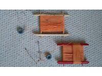 2 x Fishing/Crabbing hand reels.