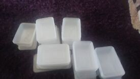 Small plastic cake/food containers weddings