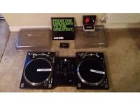 Barley Used: Complete turntable and mixer setup with Serato control vinyl