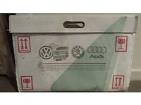 ***GENUINE VW LEFT SIDE FIXED 1/4 LIGHT GLASS***