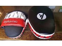 New - Bytomic Focus Mitts