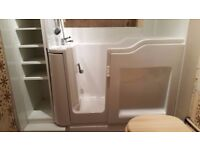Walk-in Bath, excellent condition