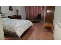 Massive sunny double bed near Meadows ( Available immediately)