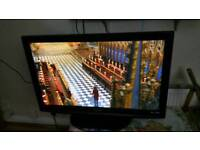 "42""Panasonics LCD tv HD ready with build in freeview."