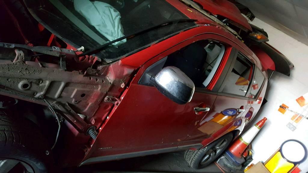 Mitsubishi outlander breaking parts 4x4