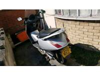 Selling scooter HONDA FES 125-5