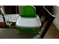 Munchkin booster seat with tray