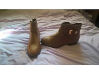New Look boots Brand New size 9