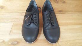 Capezio cuban heel tap shoes size 4.5 (US6.5)