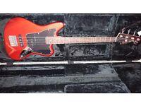 Squier jaguar bass w/ hardcase