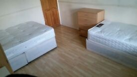 THREE FANTASTICS ROOM IN BETHNAL GREEN!!! PERFECT FOR A GROUP OF FRIENDS
