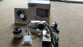 Samsung NX1000 smart camera White colour.