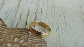 Superb 9ct yellow gold 375 modern wedding band/ring fully hallmarked size T