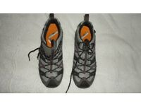 Women's Gore-tex walking shoes new, never been worn, size 7